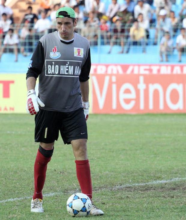TOP 5 thủ môn cao nhất từng khoác áo ĐTVN: Đặng Văn Lâm đứng cuối bảng - Ảnh 3.