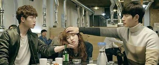 """9 """"đa giác tình yêu"""" phim Hàn làm fan mệt tim: Tầng Lớp Itaewon gây tranh cãi, Reply 1988 không ai dám xem tập cuối - Ảnh 20."""