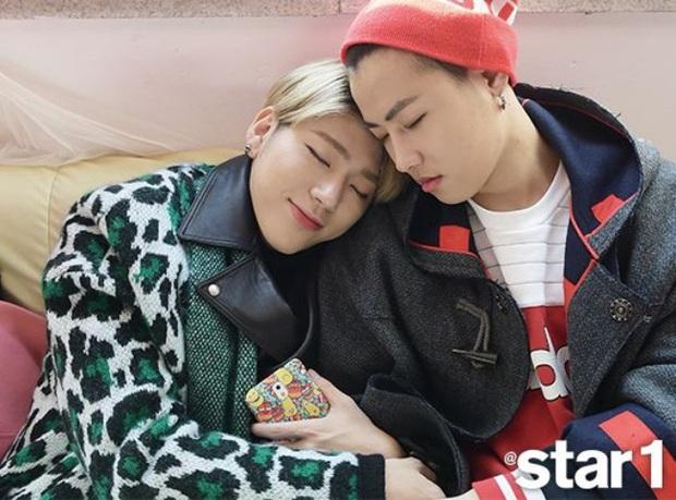 Hú hồn những màn khóa môi gây sốc nhất lịch sử Kpop: Người như ngoạm sống bạn cùng giới, bí ẩn nhất là sự cố của BTS - Ảnh 11.