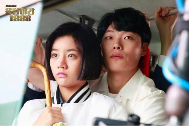 """9 """"đa giác tình yêu"""" phim Hàn làm fan mệt tim: Tầng Lớp Itaewon gây tranh cãi, Reply 1988 không ai dám xem tập cuối - Ảnh 6."""
