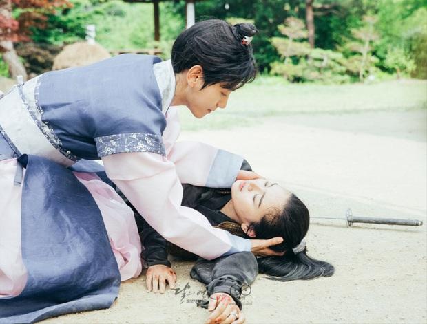 """9 """"đa giác tình yêu"""" phim Hàn làm fan mệt tim: Tầng Lớp Itaewon gây tranh cãi, Reply 1988 không ai dám xem tập cuối - Ảnh 18."""