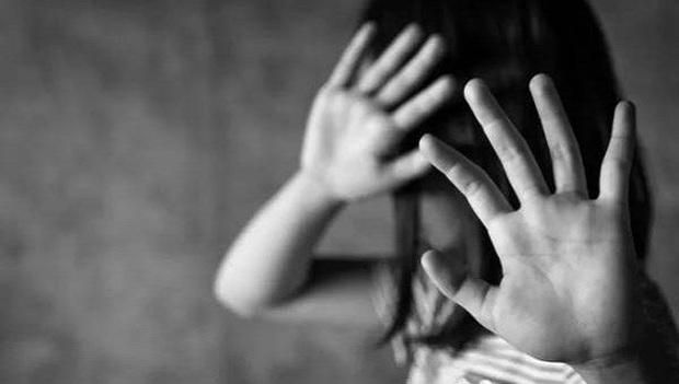 """Vụ hiếp dâm bé gái 9 tuổi ở Thái Bình: Nhẹ thì 20 năm tù, nặng là án tử hình dành cho """"yêu râu xanh"""" - Ảnh 1."""