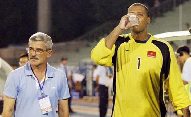 TOP 5 thủ môn cao nhất từng khoác áo ĐTVN: Đặng Văn Lâm đứng cuối bảng - Ảnh 5.