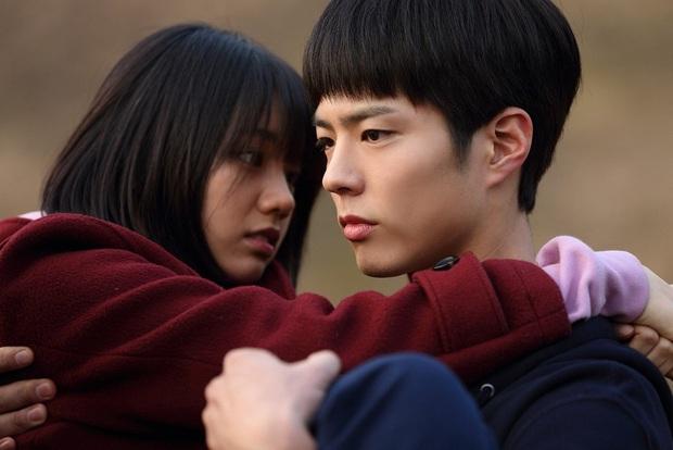 """9 """"đa giác tình yêu"""" phim Hàn làm fan mệt tim: Tầng Lớp Itaewon gây tranh cãi, Reply 1988 không ai dám xem tập cuối - Ảnh 7."""