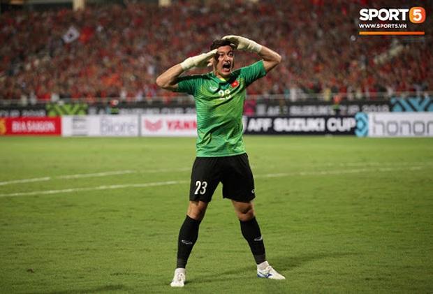 TOP 5 thủ môn cao nhất từng khoác áo ĐTVN: Đặng Văn Lâm đứng cuối bảng - Ảnh 1.
