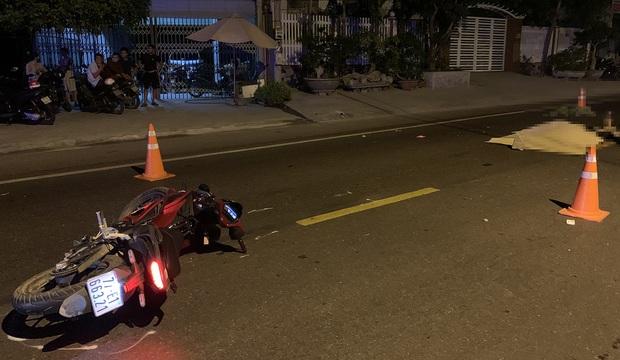 Truy tìm ô tô gây tai nạn khiến 2 thanh niên tử vong rồi bỏ chạy - Ảnh 1.