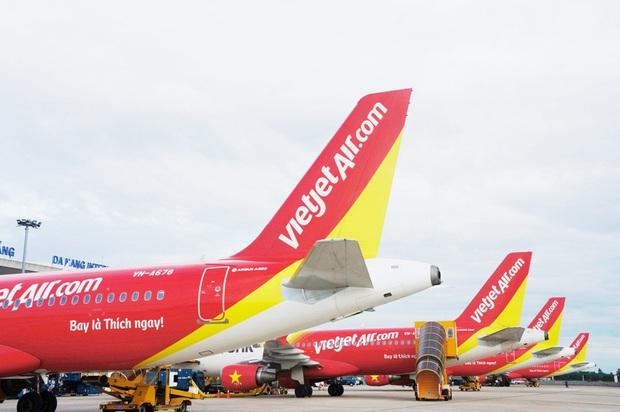 Vietjet và Bamboo đồng loạt tung thẻ bay trọn gói cả năm cho hành khách: không giới hạn số chuyến bay, loạt ưu đãi đi kèm còn hấp dẫn hơn - Ảnh 1.