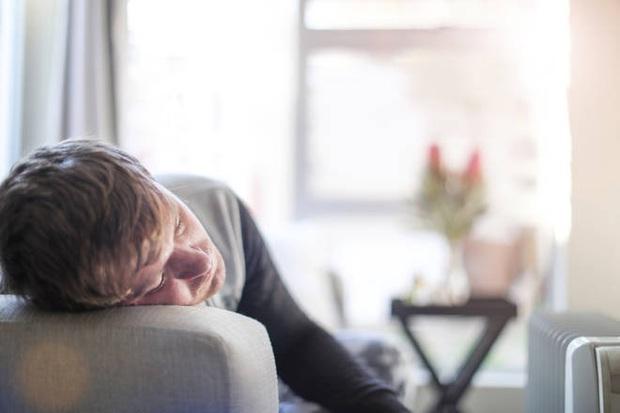 Tại sao ở nhà thật mệt mỏi và những mẹo tâm lý học giúp bạn vượt qua nó - Ảnh 1.