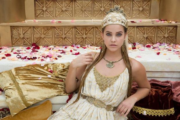 Đế chế thiên thần Victorias Secret nóng bỏng nhất mọi thời đại: Dàn mẫu thế hệ mới phải ngả mũ vì đàn chị huyền thoại! - Ảnh 37.