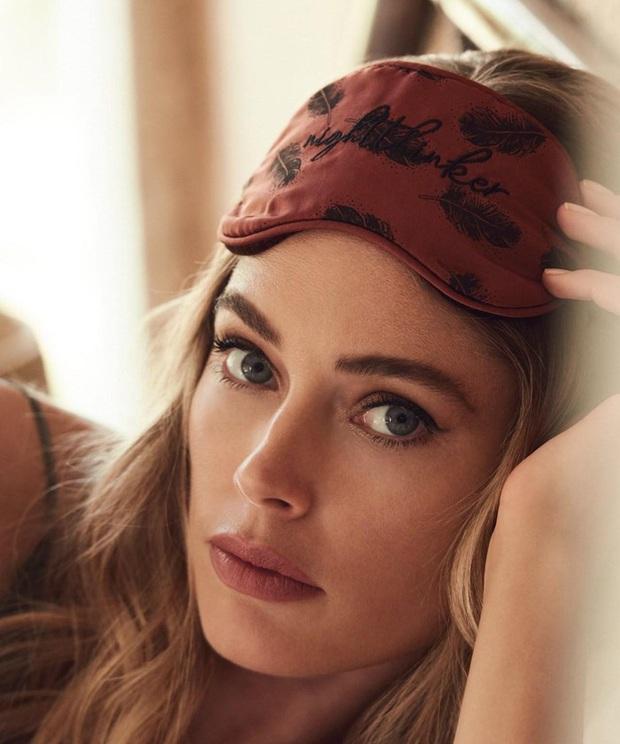 Đế chế thiên thần Victorias Secret nóng bỏng nhất mọi thời đại: Dàn mẫu thế hệ mới phải ngả mũ vì đàn chị huyền thoại! - Ảnh 47.