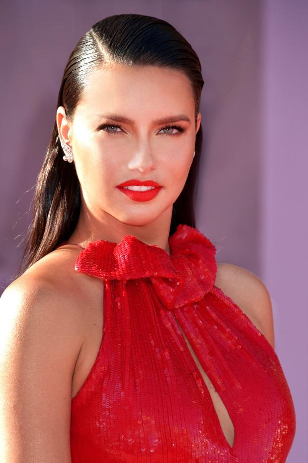 Đế chế thiên thần Victorias Secret nóng bỏng nhất mọi thời đại: Dàn mẫu thế hệ mới phải ngả mũ vì đàn chị huyền thoại! - Ảnh 11.