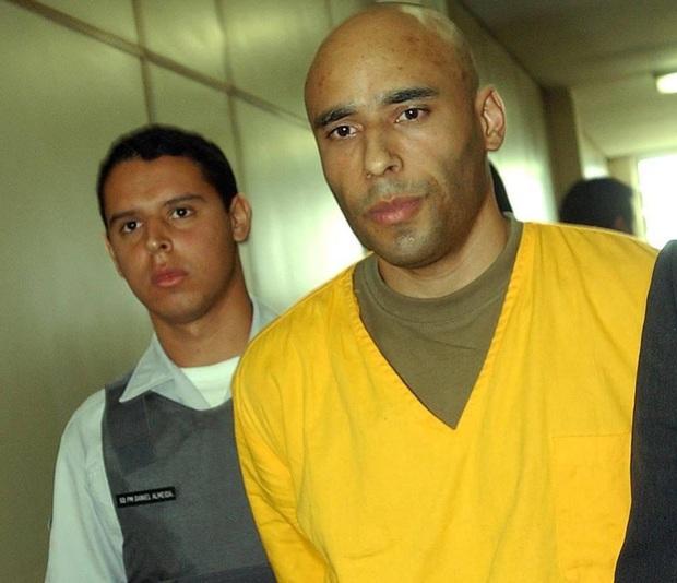 Chuyện ít ai biết về cuộc đời vào tù ra tội, hết rửa tiền lại buôn ma túy của con trai Vua bóng đá Pele - Ảnh 3.