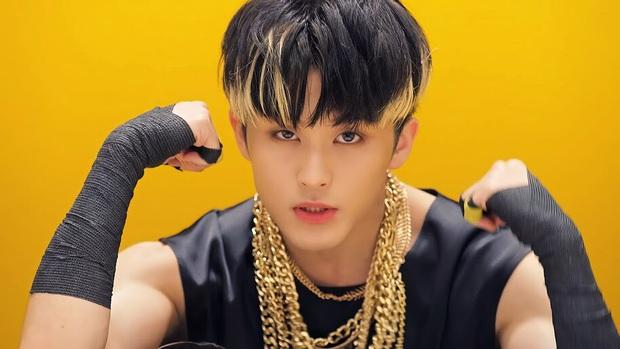 Thương cho fan của chàng rapper nhà SM: Idol comeback quanh năm khi hoạt động một lúc 5 nhóm, fan mua album chóng mặt - Ảnh 3.