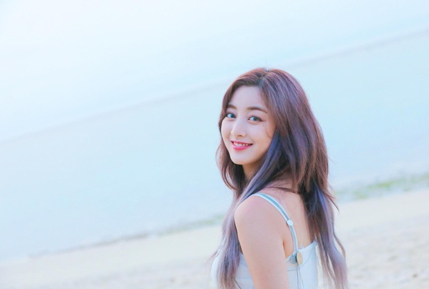 Nữ idol Jihyo của TWICE: Chơi game là lúc tôi cảm thấy thoải mái nhất, game thủ được dịp thơm lây!  - Ảnh 2.