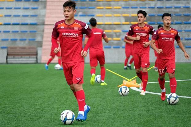 Bí mật được bật mí, cánh tay trái của HLV Park Hang-Seo tiết lộ sự thật về các cầu thủ U23, mê đá bóng nhưng cũng cuồng chơi game! - Ảnh 10.