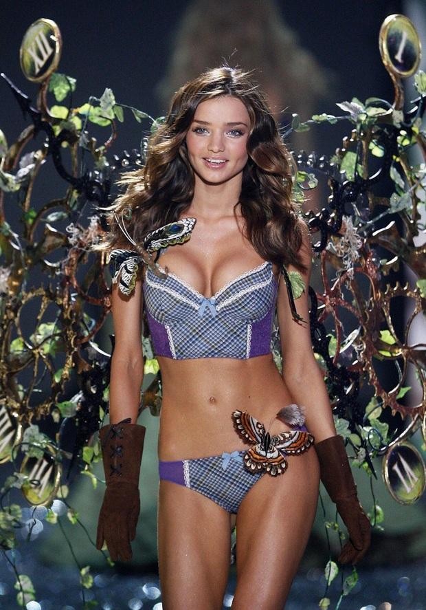 Đế chế thiên thần Victorias Secret nóng bỏng nhất mọi thời đại: Dàn mẫu thế hệ mới phải ngả mũ vì đàn chị huyền thoại! - Ảnh 18.