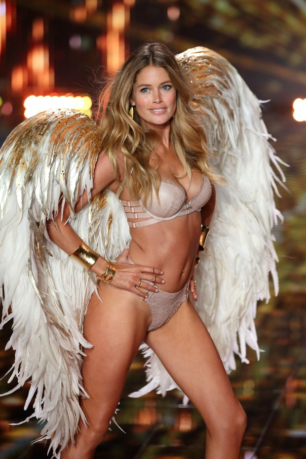 Đế chế thiên thần Victorias Secret nóng bỏng nhất mọi thời đại: Dàn mẫu thế hệ mới phải ngả mũ vì đàn chị huyền thoại! - Ảnh 50.