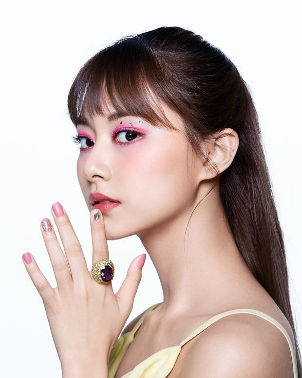 Lên hẳn tạp chí đình đám của Mỹ, Twice bị chê tơi tả vì makeup lạ nhưng lại có duy nhất một người được khen - Ảnh 2.