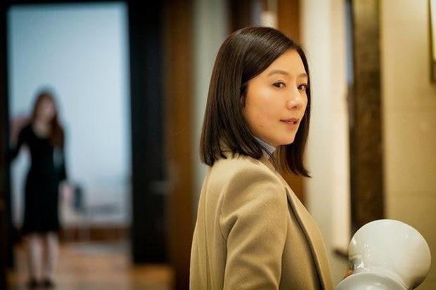 Dàn sao bom tấn 19+ Thế Giới Hôn Nhân: Chị đại chuyên trị phim ngoại tình có át vía được bản sao của Song Hye Kyo? - Ảnh 2.