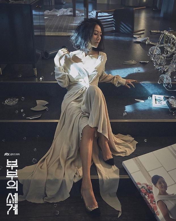 Dàn sao bom tấn 19+ Thế Giới Hôn Nhân: Chị đại chuyên trị phim ngoại tình có át vía được bản sao của Song Hye Kyo? - Ảnh 1.