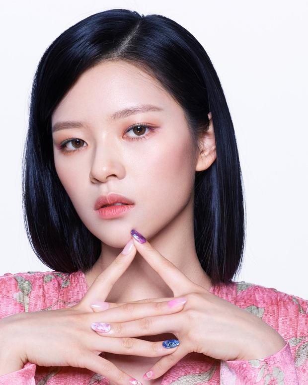 Lên hẳn tạp chí đình đám của Mỹ, Twice bị chê tơi tả vì makeup lạ nhưng lại có duy nhất một người được khen - Ảnh 11.