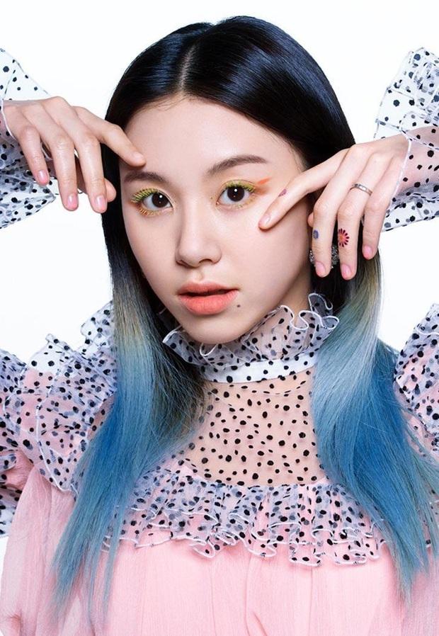 Lên hẳn tạp chí đình đám của Mỹ, Twice bị chê tơi tả vì makeup lạ nhưng lại có duy nhất một người được khen - Ảnh 12.