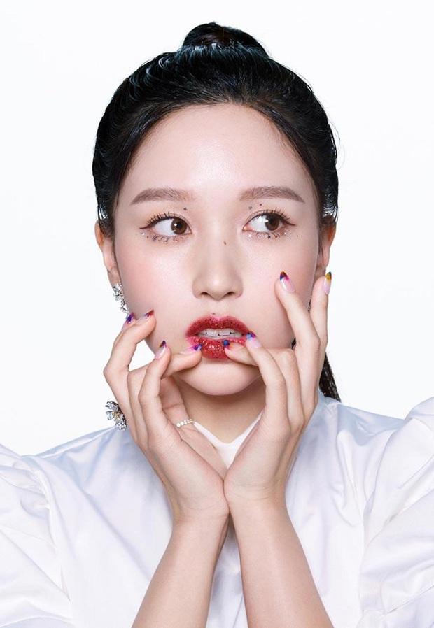 Lên hẳn tạp chí đình đám của Mỹ, Twice bị chê tơi tả vì makeup lạ nhưng lại có duy nhất một người được khen - Ảnh 13.