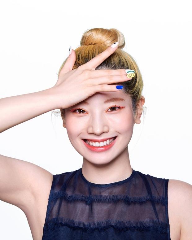 Lên hẳn tạp chí đình đám của Mỹ, Twice bị chê tơi tả vì makeup lạ nhưng lại có duy nhất một người được khen - Ảnh 3.