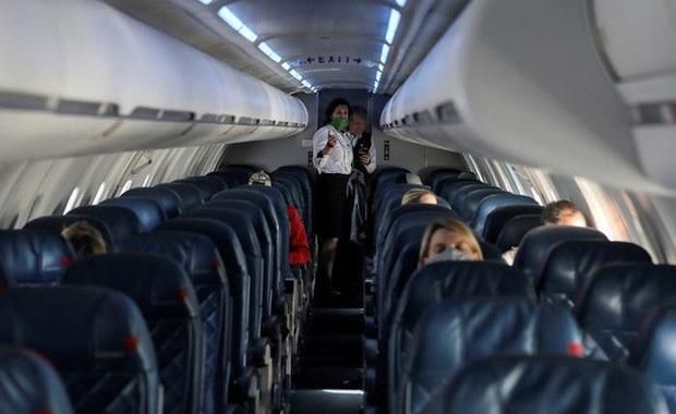 Chùm ảnh các sân bay không một bóng người tại Mỹ cho thấy Covid-19 đã tàn phá ngành hàng không khủng khiếp thế nào - Ảnh 29.