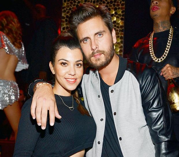 14 bí mật động trời về đế chế Kardashian: Tự dựng băng sex, nghiện ngập, nói dối về chuyện dao kéo, đâu mới là thật? - Ảnh 8.