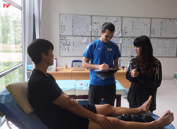 Hình ảnh Xuân Trường hồi phục tích cực, Duy Mạnh tươi cười bước vào quá trình vật lý trị liệu - Ảnh 4.