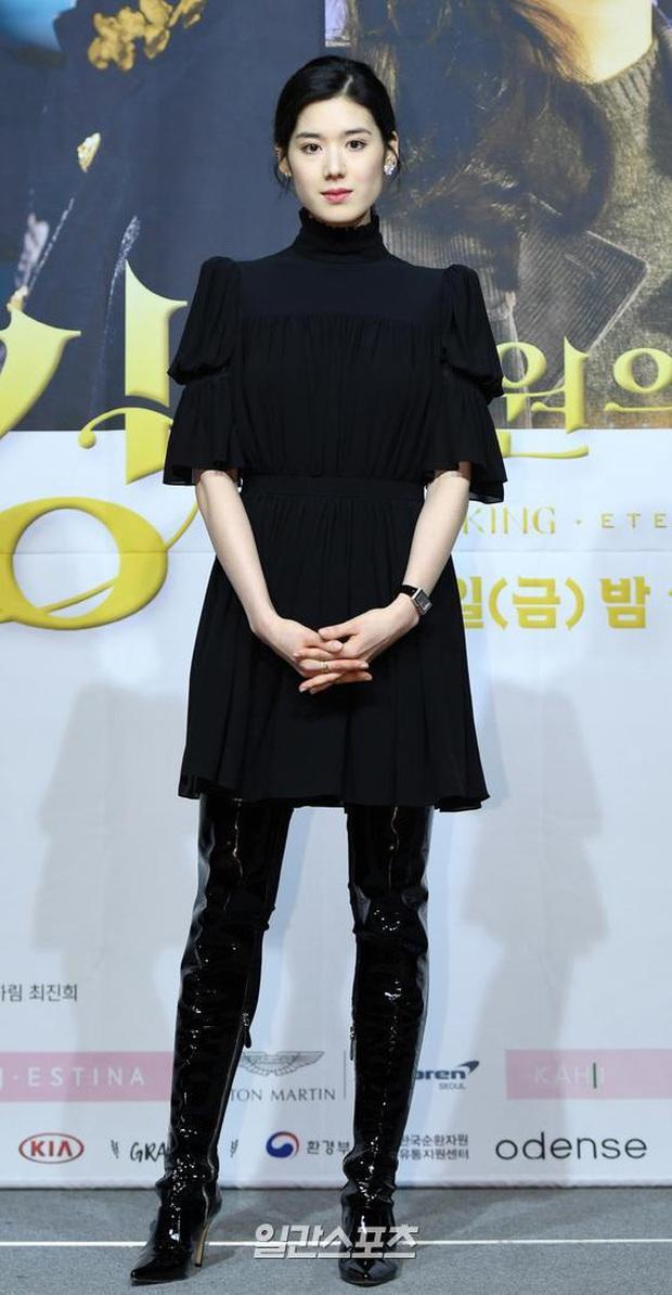 Ngược đời dàn sao Bệ hạ bất tử ở sự kiện: Nữ phụ đẹp đơ mà vẫn đè bẹp nữ chính, Lee Min Ho - Kim Go Eun lơ nhau đến lạ - Ảnh 7.
