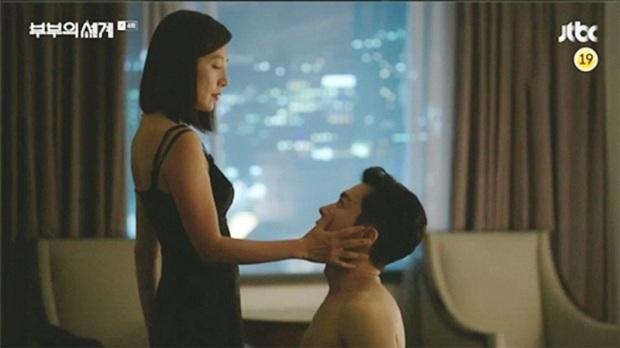 Dàn sao bom tấn 19+ Thế Giới Hôn Nhân: Chị đại chuyên trị phim ngoại tình có át vía được bản sao của Song Hye Kyo? - Ảnh 13.