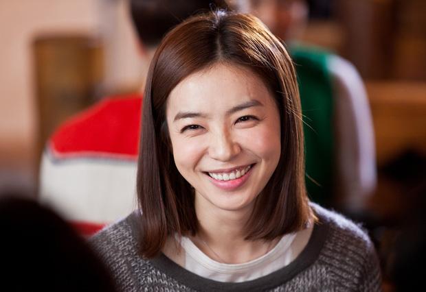 Dàn sao bom tấn 19+ Thế Giới Hôn Nhân: Chị đại chuyên trị phim ngoại tình có át vía được bản sao của Song Hye Kyo? - Ảnh 15.
