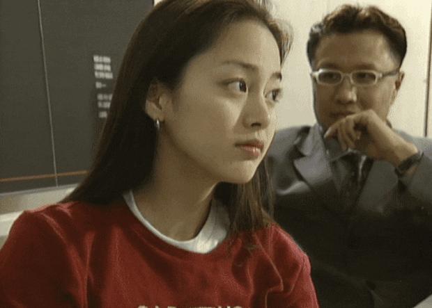 Hình ảnh thời đại học của Kim Tae Hee bất ngờ được đào mộ, liệu có xứng danh nữ thần Kbiz? - Ảnh 2.