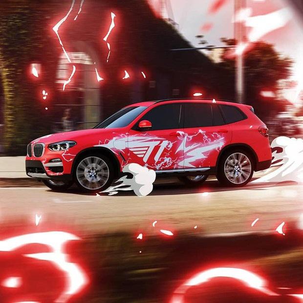 T1 tung loạt ảnh quảng bá thương hiệu xe sang BMW, Faker ngày càng ra dáng chủ tịch - Ảnh 2.