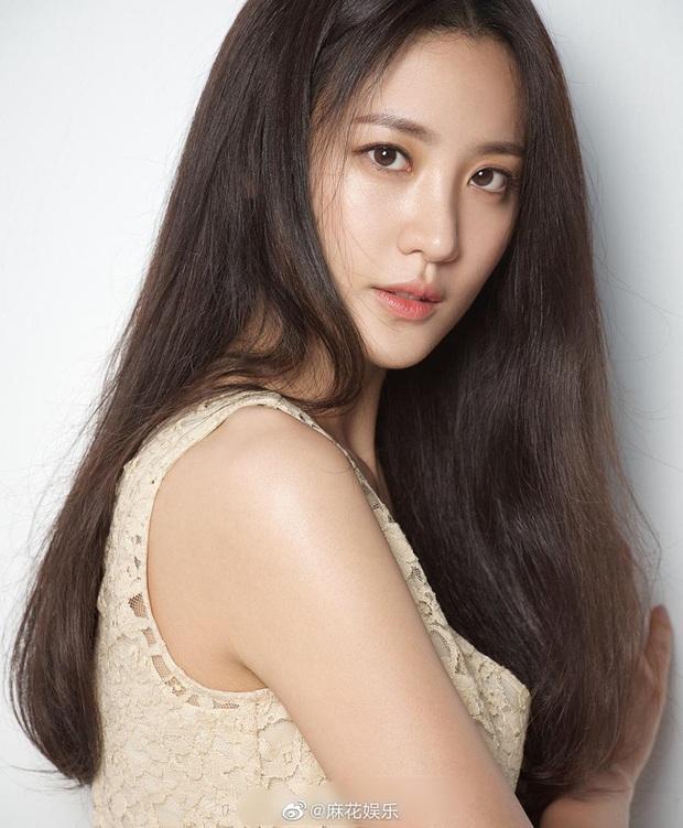 Kim Soo Hyun bị đồn đã kết hôn và có con vì lí do nực cười này - Ảnh 1.