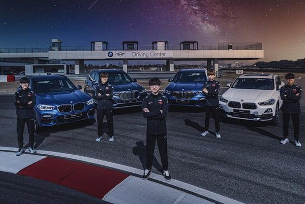 T1 tung loạt ảnh quảng bá thương hiệu xe sang BMW, Faker ngày càng ra dáng chủ tịch - Ảnh 5.