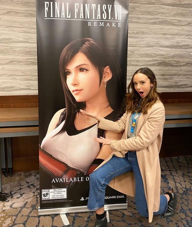 Mê đắm nhan sắc Britt Baron, nữ diễn viên lồng tiếng cho Tifa trong bản remake Final Fantasy VII - Ảnh 9.