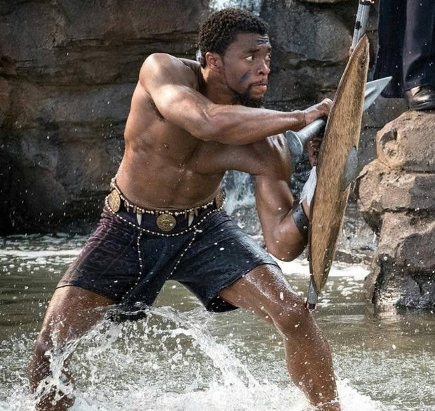 """Sốc vì diện mạo Black Panther body 6 múi của """"Avengers"""" khi tự cách ly, đến Dispatch cũng phải xôn xao - Ảnh 5."""
