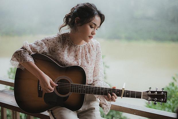 Tối nay nếu không có việc gì, hãy nghe Thái Trinh mơ màng với loạt hit acoustic, lần đầu trải lòng về cách vực dậy sau biến cố tình yêu - Ảnh 6.