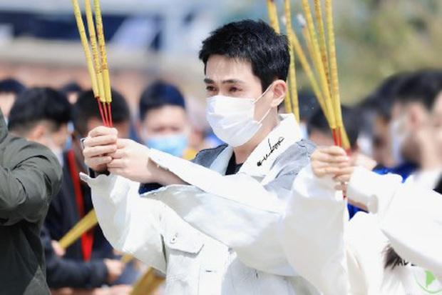 Phim mới của thầy Thẩm Chu Nhất Long khai máy giữa mùa Cô Vy, dàn diễn viên toàn cực phẩm đáng mong chờ - Ảnh 3.