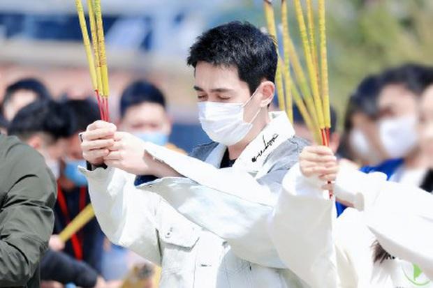 Phim mới của thầy Thẩm Chu Nhất Long khai máy giữa mùa Cô Vy, dàn diễn viên toàn cực phẩm đáng mong chờ - Ảnh 4.