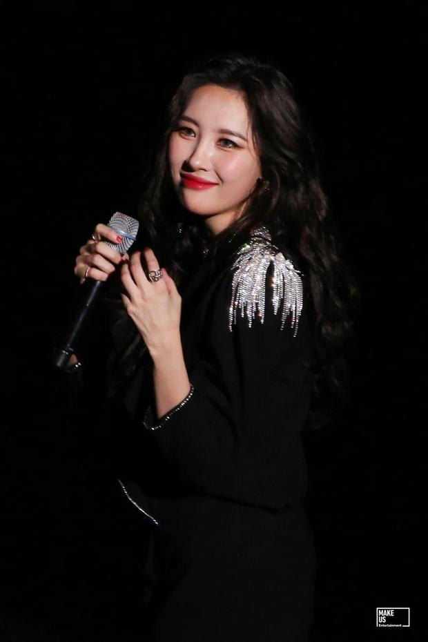 Hé lộ nhan sắc thật của loạt idol Kpop qua ảnh chụp vội ở concert: Tứk vì ánh sáng kém, camera thường không dìm nổi - Ảnh 16.