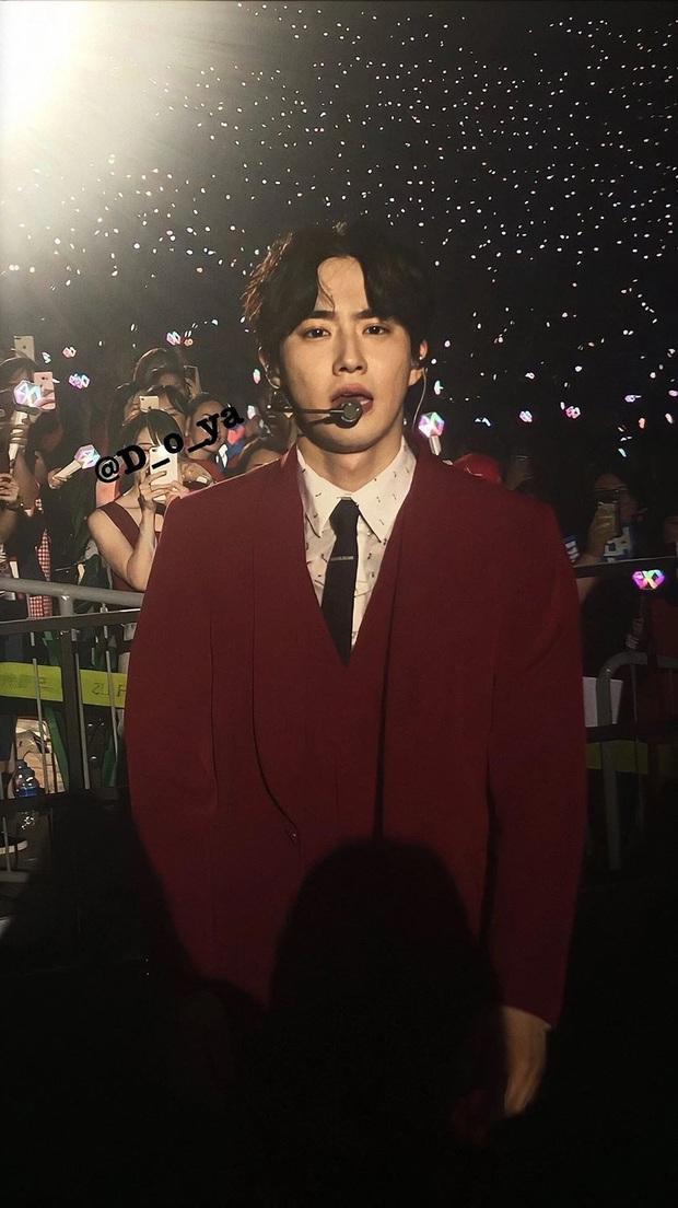 Hé lộ nhan sắc thật của loạt idol Kpop qua ảnh chụp vội ở concert: Tứk vì ánh sáng kém, camera thường không dìm nổi - Ảnh 6.