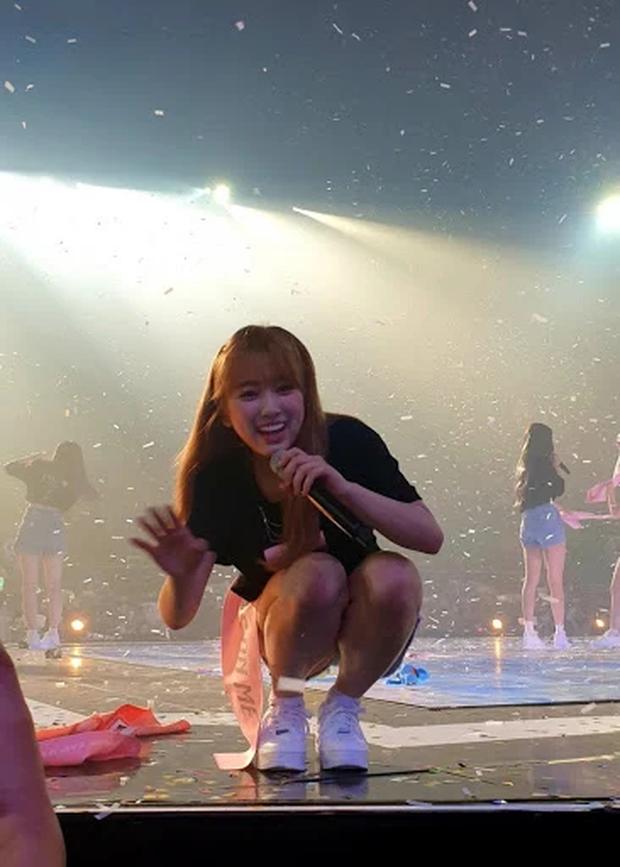 Hé lộ nhan sắc thật của loạt idol Kpop qua ảnh chụp vội ở concert: Tứk vì ánh sáng kém, camera thường không dìm nổi - Ảnh 10.