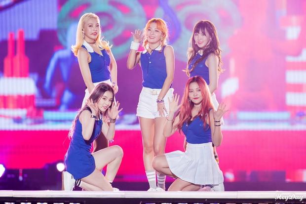 Ngắm thời kỳ đỉnh sao nhan sắc của Red Velvet bạn sẽ thấy việc tìm được style phù hợp có vai trò quan trọng thế nào - Ảnh 1.