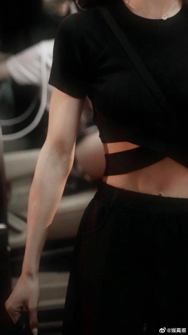 Lisa bất ngờ có đối thủ đọ vòng eo tại Thanh Xuân Có Bạn: Thí sinh body siêu đỉnh, bây giờ mới nổi lên nhờ visual và thần thái - Ảnh 18.