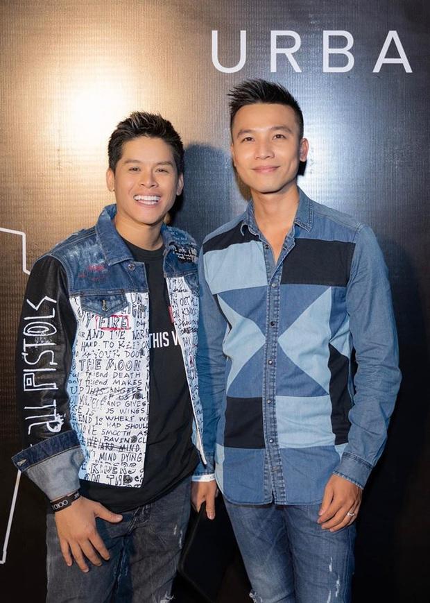 Cặp đồng tính John Huy Trần - Nhiệm Huỳnh gây sốt với loạt ảnh kỷ niệm 2 năm cưới ngọt lịm: Chúng tôi vẫn bền chặt lắm - Ảnh 5.