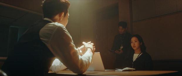 Knet khen chê lẫn lộn tập mở màn Quân Vương Bất Diệt: Lee Min Ho đẹp trai lại diễn hay, nhưng phim cứ sai sai thế nào ấy nhỉ? - Ảnh 3.